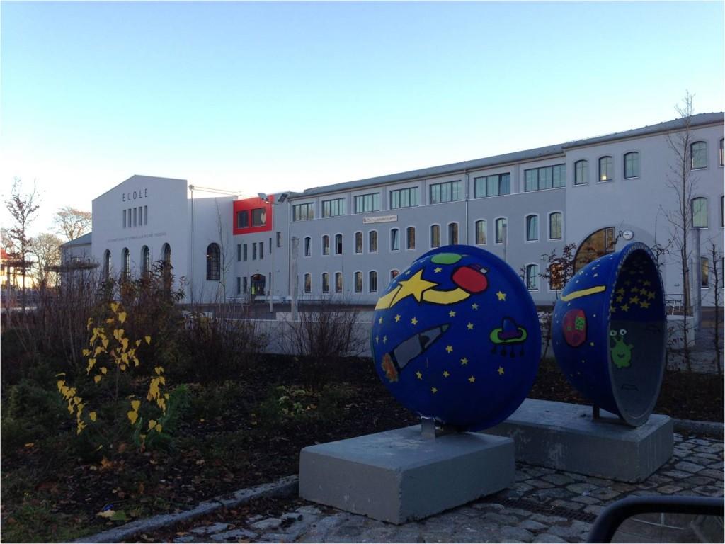 ( Internationales Gymnasium Pierre Trudeau, einem staatlich anerkannten Gymnasium in Barleben bei Magdeburg)